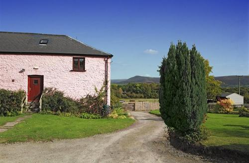 Snaptrip - Last minute cottages - Quaint Brecon Cottage S40143 - Brynderwen in the Brecon Beacons