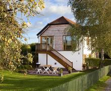 Snaptrip - Last minute cottages - Beautiful Penpergwm Cottage S40272 - Birchtree Barn