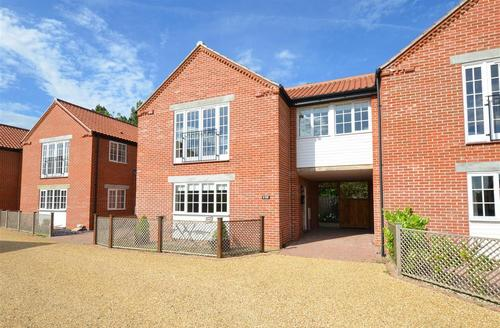 Snaptrip - Last minute cottages - Tasteful Stalham Rental S12033 - Exterior