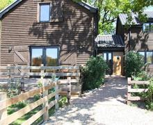 Snaptrip - Last minute cottages - Luxury Wayford Bridge Rental S11948 - External view