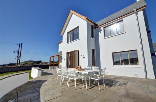 Snaptrip - Last minute cottages - Luxury Croyde Rental S9826 - Broad De  - External View 1