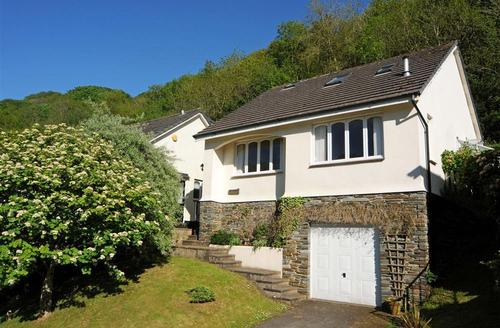 Snaptrip - Last minute cottages - Superb Ilfracombe Rental S12263 - External - View 1