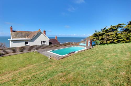 Snaptrip - Last minute cottages - Excellent Croyde Rental S12189 - External - View 2