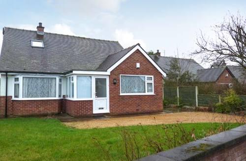 Snaptrip - Last minute cottages - Excellent Preston Rental S4094 -
