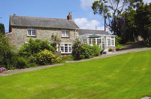 Snaptrip - Last minute cottages - Excellent Tiverton Rental S12396 - External - View 1