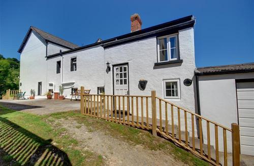Snaptrip - Last minute cottages - Excellent Ilfracombe Rental S12313 - External - View 1