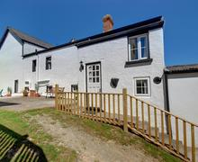 Snaptrip - Last minute cottages - Excellent Ilfracombe Rental S12313 - External - View 1