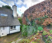 Snaptrip - Last minute cottages - Adorable Winsford Rental S12327 - External - View 2