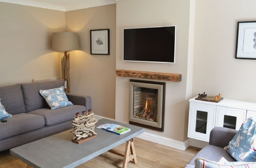 Snaptrip - Last minute cottages - Inviting Lytham St Annes Cottage S40488 -