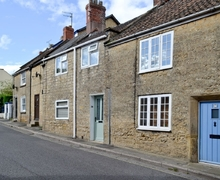Snaptrip - Holiday cottages - Charming Chard Cottage S40559 -