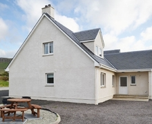 Snaptrip - Holiday cottages - Wonderful Portree Apartment S40565 -