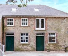 Snaptrip - Last minute cottages - Luxury Bedale Rooms S4145 -