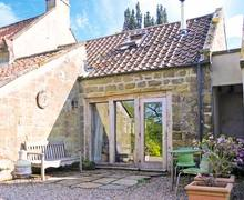 Snaptrip - Holiday cottages - Superb Whitby Hayloft S4163 -