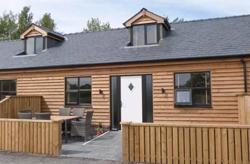 Snaptrip - Last minute cottages - Beautiful Poulton Le Fylde  Cottage S4172 -