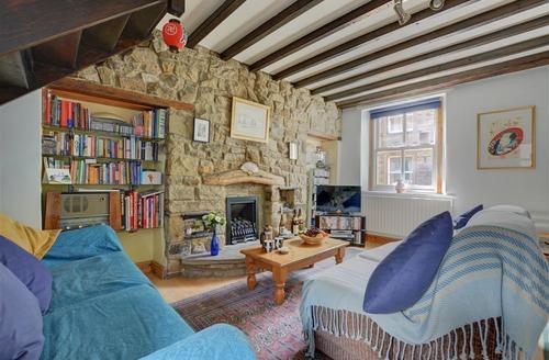 Snaptrip - Last minute cottages - Superb Skipton Cottage S41134 - Sitting Room View 2