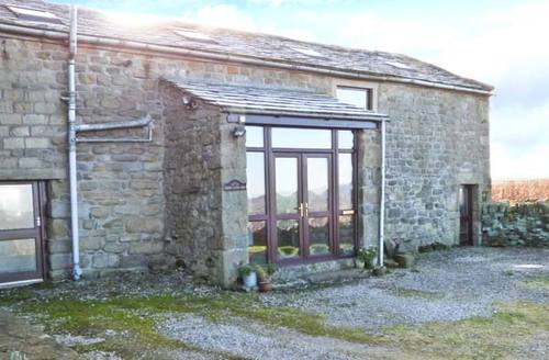 Snaptrip - Last minute cottages - Exquisite Colne Barn S4200 -
