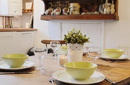 Snaptrip - Last minute cottages - Attractive Preseli Hills Cottage S41190 -