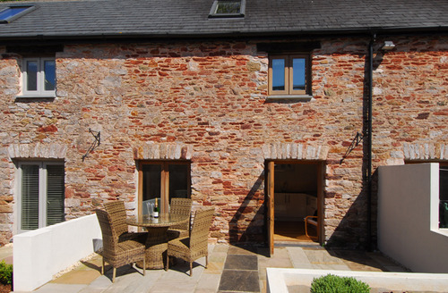 Snaptrip - Last minute cottages - Attractive Totnes Barn S41208 -