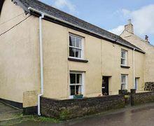Snaptrip - Last minute cottages - Quaint St. Keverne Cottage S41329 -