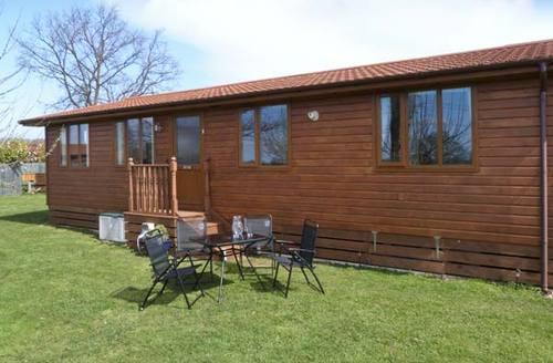 Snaptrip - Last minute cottages - Delightful York Lodge S4224 -