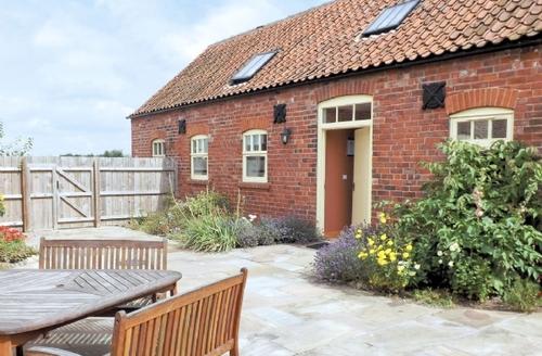 Snaptrip - Last minute cottages - Captivating Skegness Cottage S41415 -