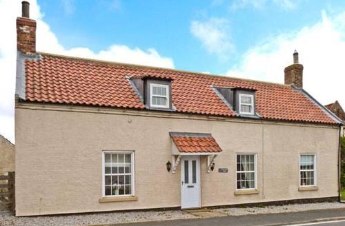 Snaptrip - Last minute cottages - Excellent Hornsea Farm S4244 -