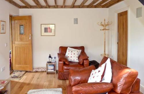 Snaptrip - Last minute cottages - Delightful Hassocks Cottage S4254 -