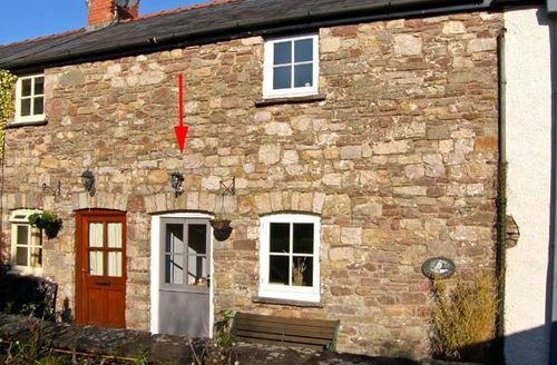 Snaptrip - Last minute cottages - Excellent Ffawyddog Cottage S41980 -