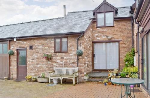 Snaptrip - Last minute cottages - Cosy Bishops Castle Cottage S41992 -