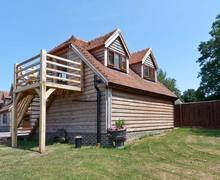 Snaptrip - Last minute cottages - Delightful Billingshurst Barn S4311 -
