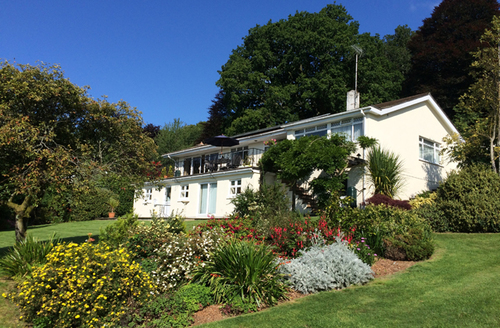 Snaptrip - Last minute cottages - Attractive Lustleigh Apartment S42087 -