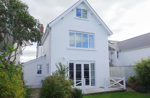 Snaptrip - Last minute cottages - Charming Abbotsham Cottage S42162 -