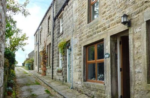 Snaptrip - Last minute cottages - Lovely Hebden Cottage S42201 -