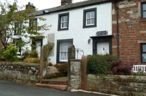 Snaptrip - Last minute cottages - Luxury Penrith Rental S521 -