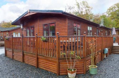 Snaptrip - Last minute cottages - Delightful Windermere Lodge S4330 -