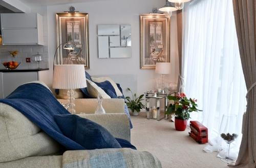 Snaptrip - Last minute cottages - Stunning Hartland Lodge S42397 -