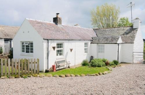 Snaptrip - Last minute cottages - Attractive Kirkcudbright Cottage S42398 -