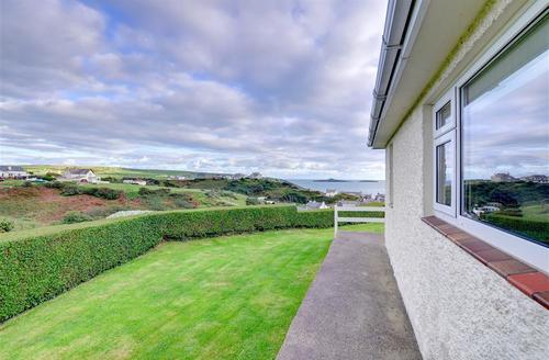 Snaptrip - Last minute cottages - Stunning Aberdaron Cottage S42461 - WAG158 - Exterior - View 2