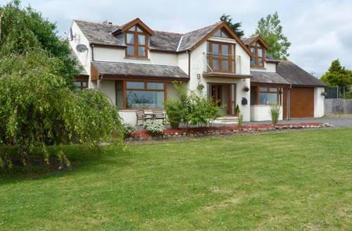 Snaptrip - Last minute cottages - Exquisite Ulverston Rental S4349 -