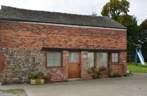 Snaptrip - Last minute cottages - Attractive Preston Cottage S42544 -