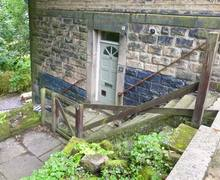 Snaptrip - Last minute cottages - Excellent Hebden Bridge Terrace S4361 -