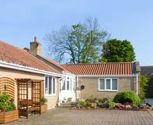 Snaptrip - Last minute cottages - Charming Morpeth Cottage S4364 -