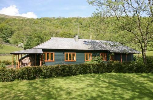 Snaptrip - Last minute cottages - Excellent Kendal Rental S4373 -