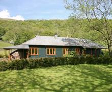 Snaptrip - Last minute cottages - Excellent Kendal Rental S4373 -