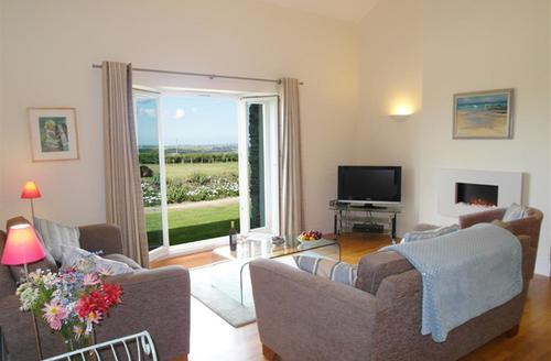 Snaptrip - Last minute cottages - Beautiful Wadebridge Cottage S42727 - Lounge