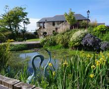 Snaptrip - Last minute cottages - Charming Little Petherick Cottage S42775 - External