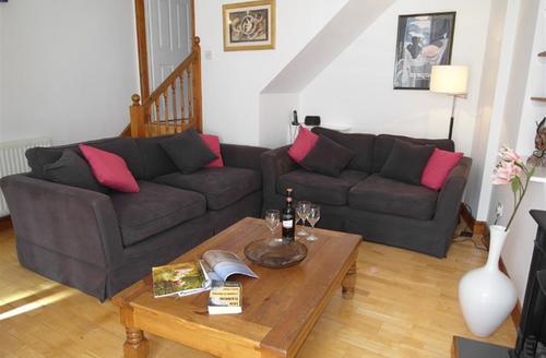 Snaptrip - Last minute cottages - Quaint Padstow Cottage S42785 - Lounge