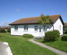 Snaptrip - Last minute cottages - Cosy St Merryn Cottage S42794 - External