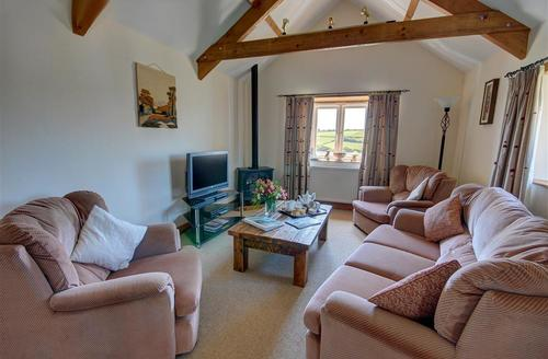 Snaptrip - Last minute cottages - Inviting Newquay Cottage S42866 - Sitting Area - View 1