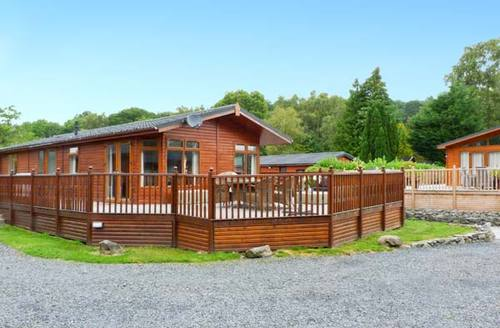 Snaptrip - Last minute cottages - Lovely Windermere Rental S4396 -